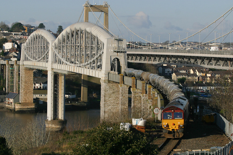 0-40103 66107 with the Burngullow-Irvine cross the Royal Albert bridge