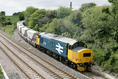 37425 comes off the Parkandillack branch with CDA's from Crugwallins to Fowey 240505