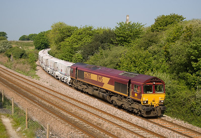 040507 66205 comes off the Parkandillack branch with a late running 6G02 TFO  0819 Burngullow-Fowey.