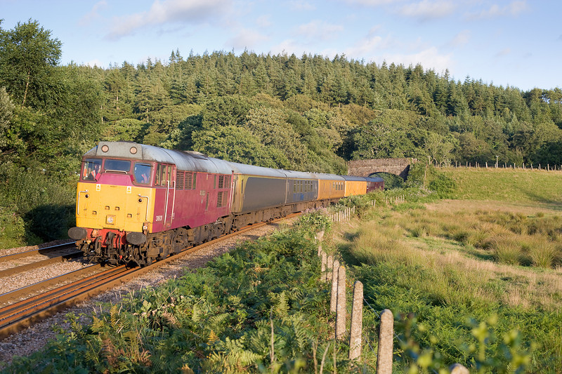 020806 31601 top and tailed with 31190 head the 1700 Penzance-N Abbot ultrasonic track testing train at Restormel at 2000.