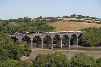 150706 43 048 and 43044 on1V29  SO 07:24 Manchester-Newquay cross Forder viaduct