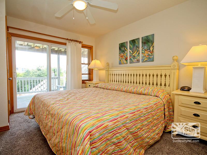 Mid-Level King Master Bedroom