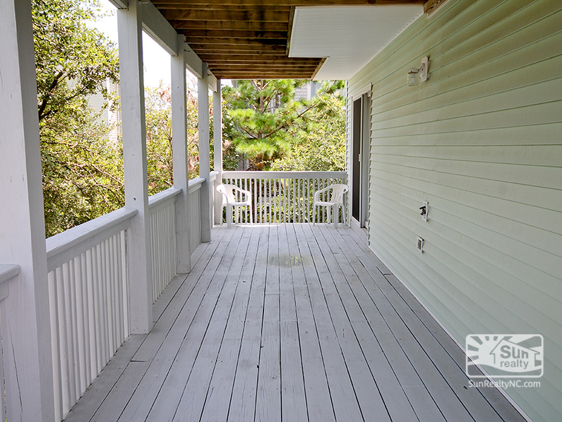 Mid-Level Deck