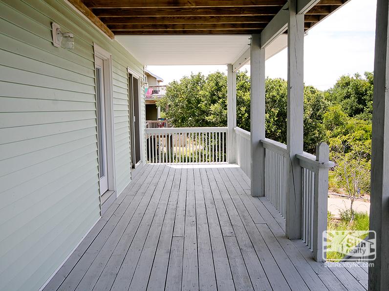 Mid-Level Deck