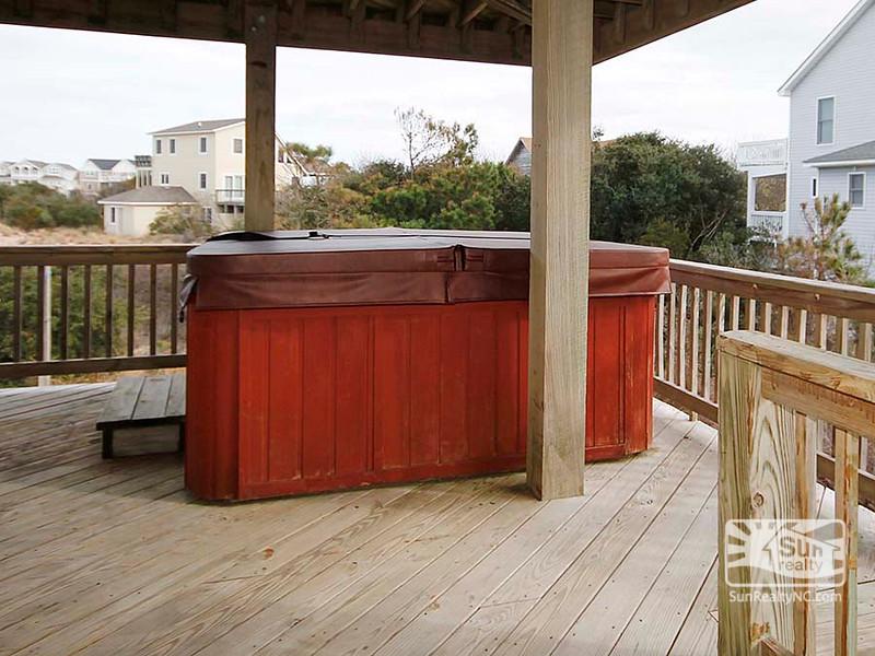 Mid-Level Deck w/ Private Hot Tub
