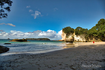 Cathedral Cove walking on the beach