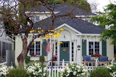 455 B Avenue, Coronado, CA - 1919 Colonial Revival Bungalow