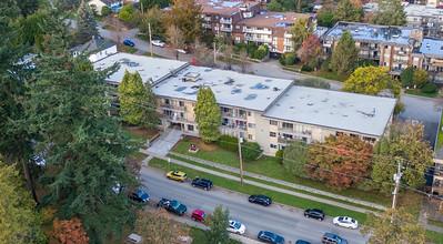 329 Sherbrooke 06