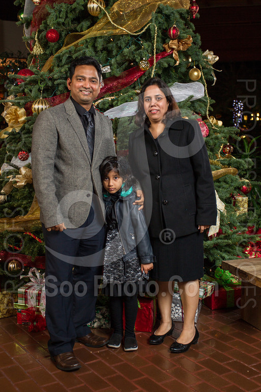 2013-12-07-saama-holiday-party-selects-8401