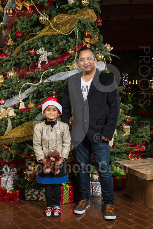 2013-12-07-saama-holiday-party-selects-8375