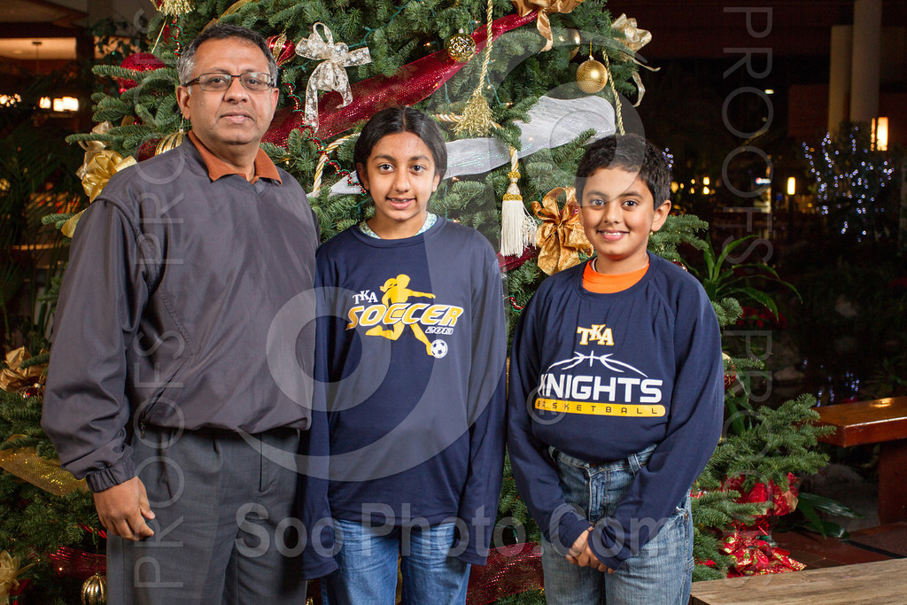2013-12-07-saama-holiday-party-selects-8356