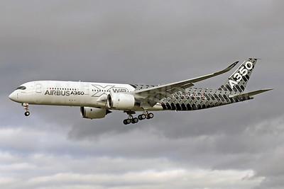 Airbus A350-941 F-WWCF (msn 002) (Carbon Fiber livery) TLS (Eurospot). Image: 922211.