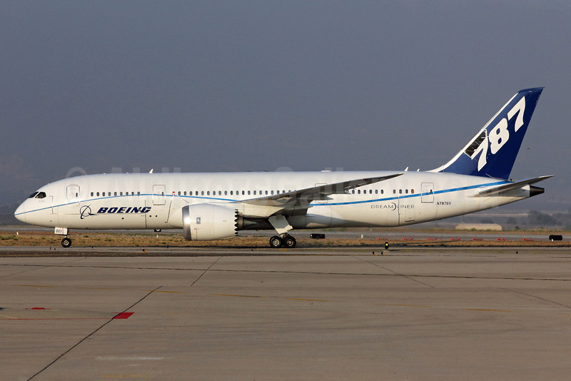 Boeing 787-8 Dreamliner N787BX (msn 40692) (ZA003 test aircraft with probes) SBD (Michael B. Ing). Image: 906663.