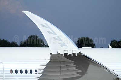 New Boeing 777-9 (777X) with foldable wingtips