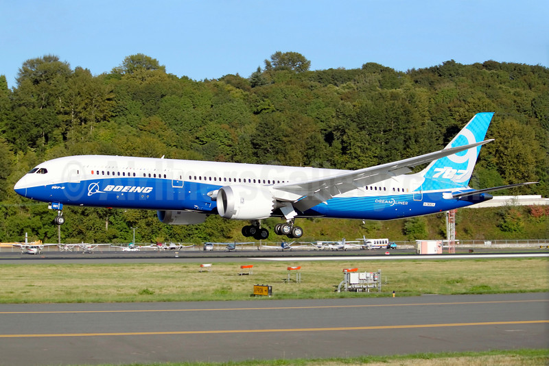 Boeing 787-9 Dreamliner N789EX (msn 41988) BFI (Joe G. Walker). Image: 913660.