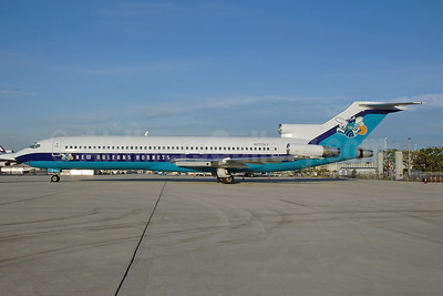New Orleans Hornets (Team Aviation) Boeing 727-2B6 N777KY (msn 21068) MIA (Bruce Drum). Image: 100576.