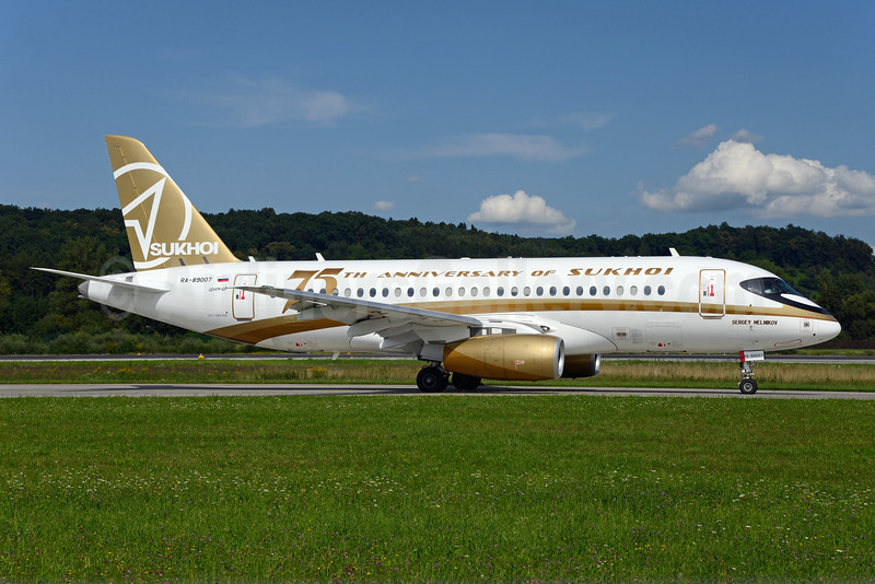 Center South Sukhoi Superjet 100-95B RA-89007 (msn 95015) (75th Anniversary of Sukhoi) ZRH (Rolf Wallner). Image: 923902.