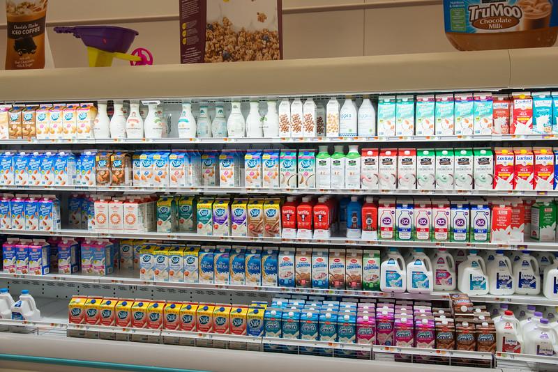 18-GroceryStore-05