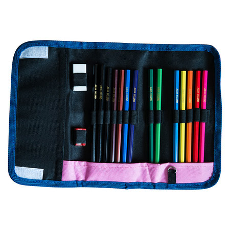 SWEDEN_pencilcase1_SQ_HR