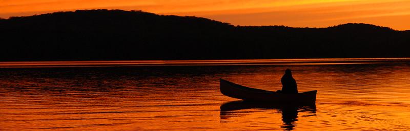 canoe at sunset 880 x 882