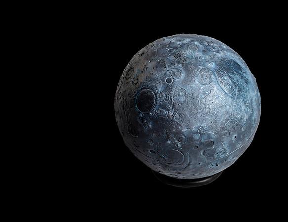 Planet No. Moon_watchbox_black