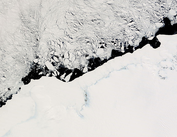 12 Nov 2007, Antarctica --- MODIS image from the Terra satellite of ice along the Antarctic coast including pack ice and floating sheet ice from the Shirase Glacier near the center of the image. --- Image by © NASA/Corbis