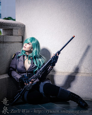 I was running around so much, i almost didn't have time to get a few shot sof this cosplay.  Luckily, i was able to snipe her with my Canon