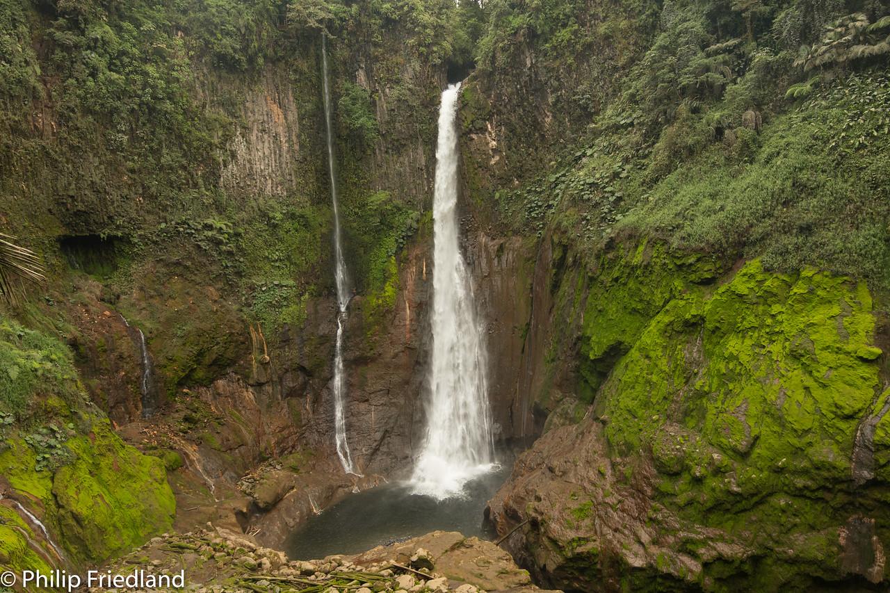 Catarata Deltoro Waterfall