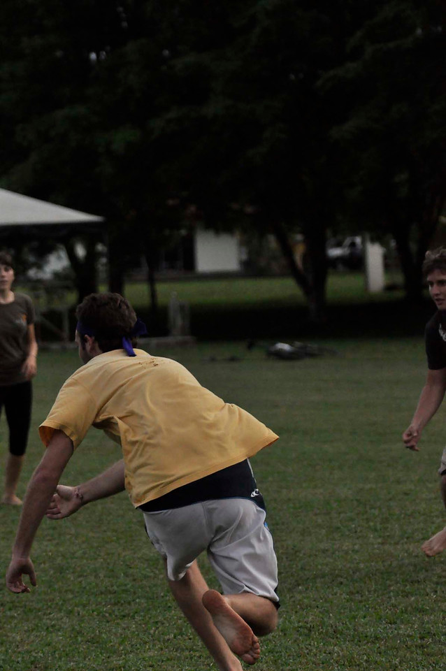 042409Ultimate Frisbee @ EARTH096