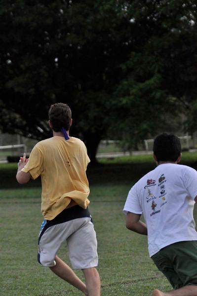 042409Ultimate Frisbee @ EARTH108