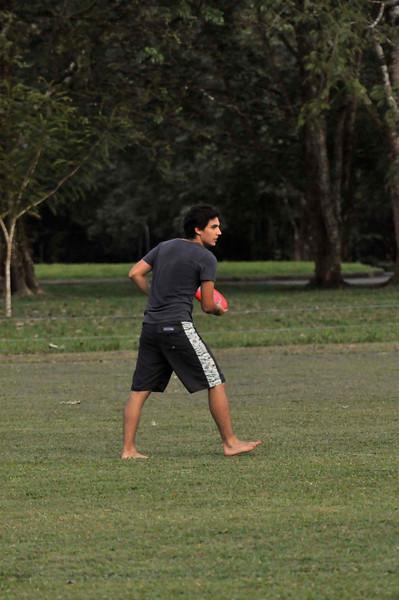 042409Ultimate Frisbee @ EARTH127