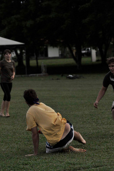 042409Ultimate Frisbee @ EARTH097