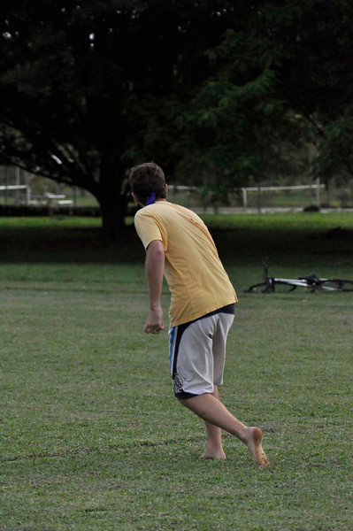 042409Ultimate Frisbee @ EARTH112