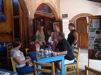 Guests that came for the monthly Jazz Sunday - this time to see the WONDERFUL Maia & Sahayak with samjjana.   CAFE DES ARTISTAS  (http://cafe-de-artistas.com / 2-288-5082).    AWESOME place for BREAKFAST!! EGGS BENEDICT, U.S. style homemade CINNAMON ROLLS. WONDERFUL FUNKY/COOL/ARTSY AMBIANCE!  Watson's the sweetie to take care of you (in English!!). LIVE MUSIC - JAZZ BRUNCH usually the 2nd or 3rd Sun. of month - 11am-1pm-ish.  HOLIDAYS:  They are open most holidays. OWNER:  Bill Hill  billhill98290@yahoo.com   HOURS: Mon. -Sat. 8am-6pm & Sun. 8am-4pm.   LOCATION: Escazu  (San Rafael) - 100 mt. east of Plaza Rolex (PR is opposite Rosti Pollo on the right/East hand side of Calle Vieja as you go up towards Scotiabank).  As soon as you turn the corner beside the Rolex Plaza (CitiBank) & crest the first hill, you'll see the Cafe on the left next to the Mosaic store - Tallercito!!