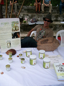 Leonidas Arellano with EcoCo who has 100% natural  COLD PRESSED VIRGIN COCONUT OIL!!!!  http://EcoCoCR.com  /  contact@EcoCoCR.com  /  8-990-2622