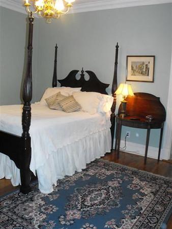 Master Bedroom 4 poster Queen Bed