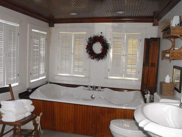 Spa Bathroom Double Jacuzzi Tub