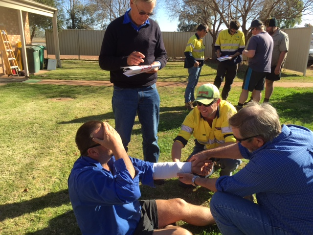 Cotton Australia St George / Dirranbandi Regional Manager, Jane Hill, organised first aid training for a group of 20 growers and farm workers at St George. The training – held on August 12, 2015 – was subsidised by Cotton Australia to assist growers in creating a safe working environment on-farm for their employees.