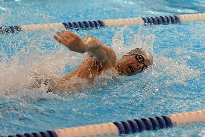 Blake Eshelman swims the final leg of 400 relay.