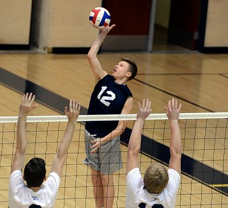 North's Harry Wyatt (12) goes for a kill.