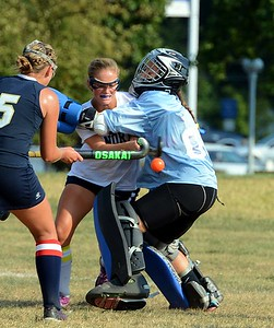 Council Rock North's Anna Lehman (#7) collides with CR South goalie Sabrina Masone in Sept. 09, 2016 battle at CR North, Newtown, Pa. (John Gleeson – 21st-Century Media)