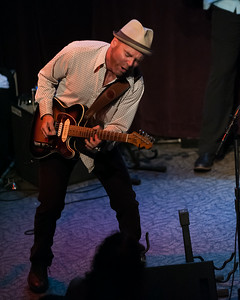 Mike Schermer - amazing blues guitarist