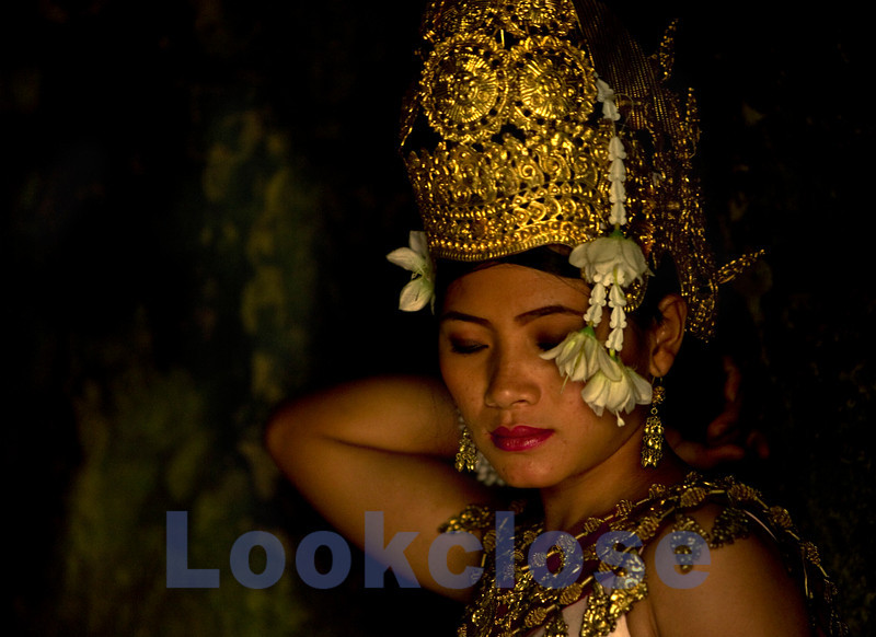 Young Woman Dressed as an Apsara (Courtesan), Ruins of the Palace (called Bayonne), Siem Reap, Cambodia