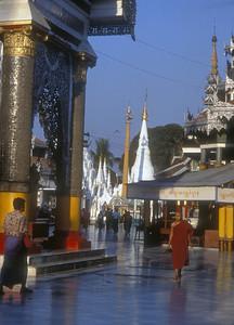 Shwemawdaw pagoda, Bago, Burma.