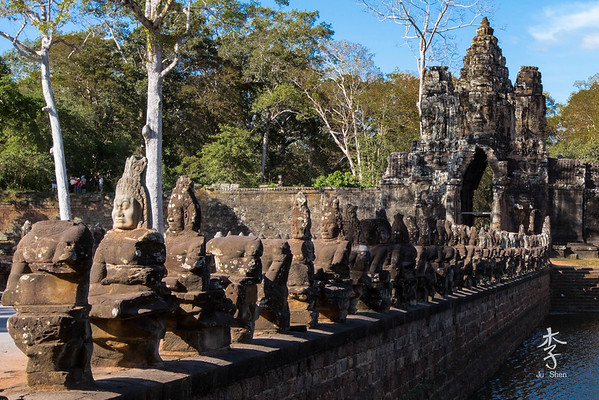 Siem Reap - Southern entrance to Angkor Thom