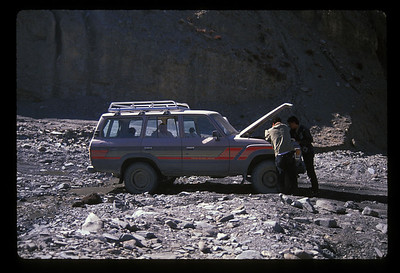 Car trouble. Again. Rural Tibet.