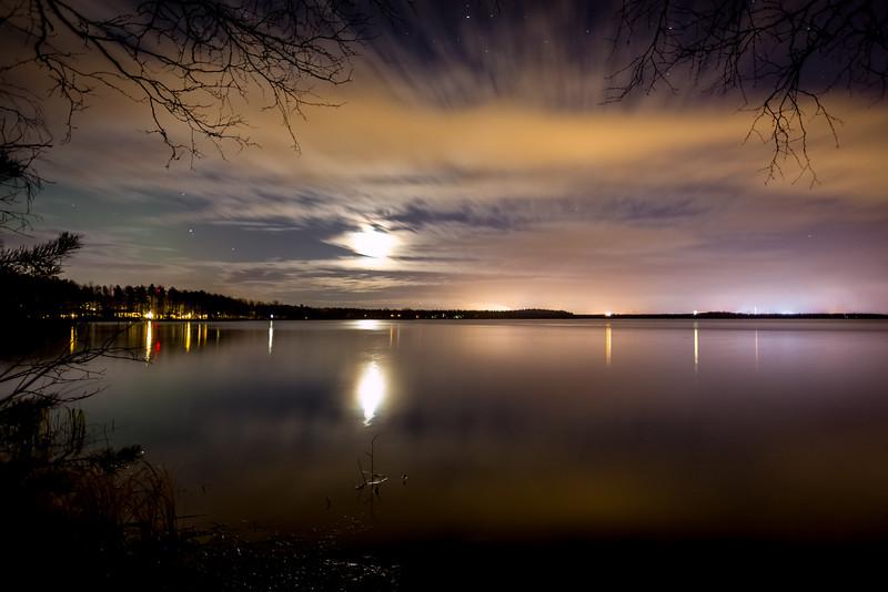 Long exposure photo of the clouds over Lake Pyykösjärvi.