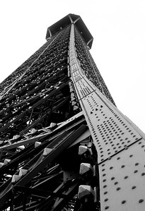 Curves of the Eiffel Tower