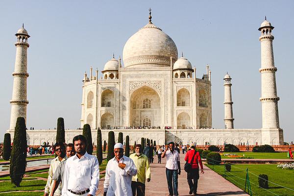 Wandering Around the Taj Mahal