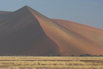 Sand dunes and landscape, Namib-Naukluft Park, Namibia.